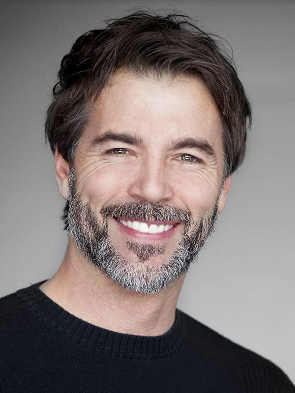La ortodoncia invisible como Invisalign es una solución a considerar por el ortodoncias en sus tratamientos con adultos